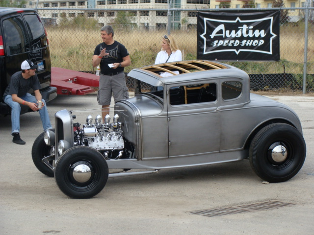 1 1931 ford model A coupe
