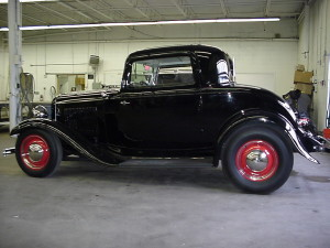 1932 ford 3 window coupe (5)