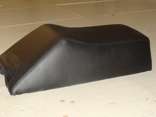 snowmoblie seat (1)